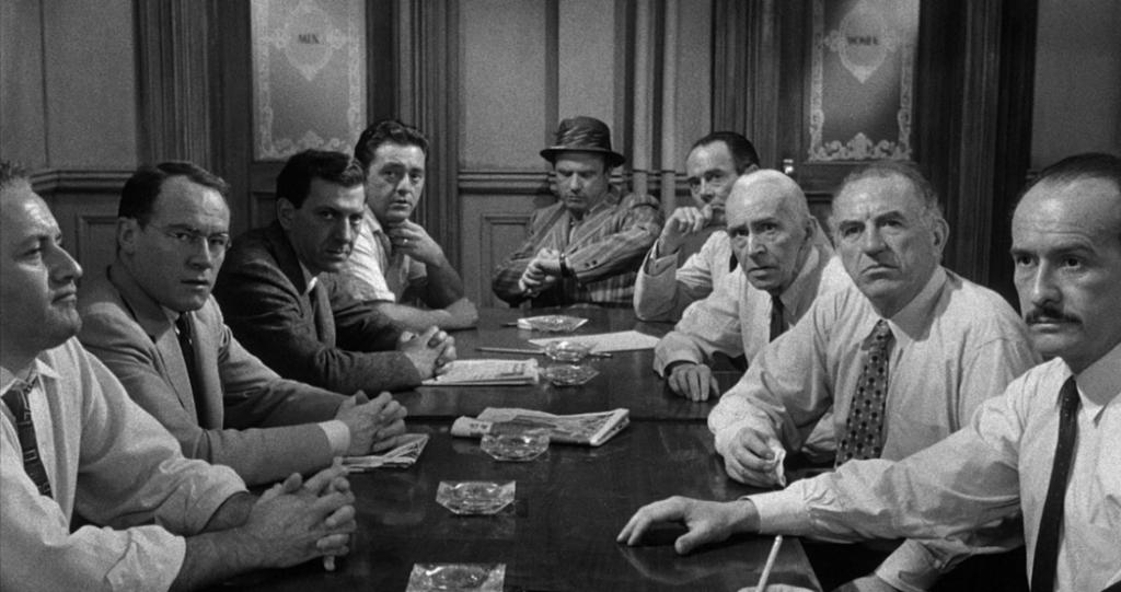 12 hombre en pugna
